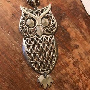 vintage 1970's silver Owl pendant necklace